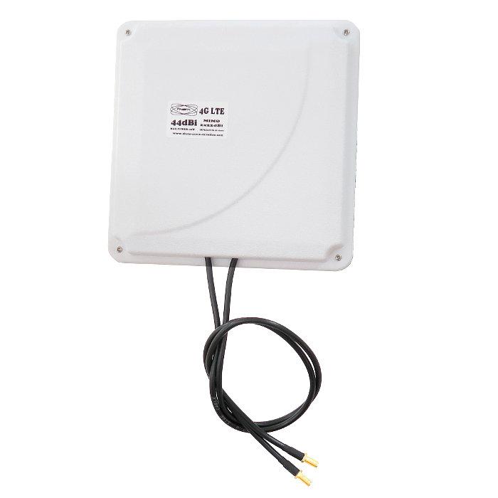 THETA PANEL 4G 44DBI BLANCA Antena 4G 44dbi LTE UMTS 3G exterior panel blanco